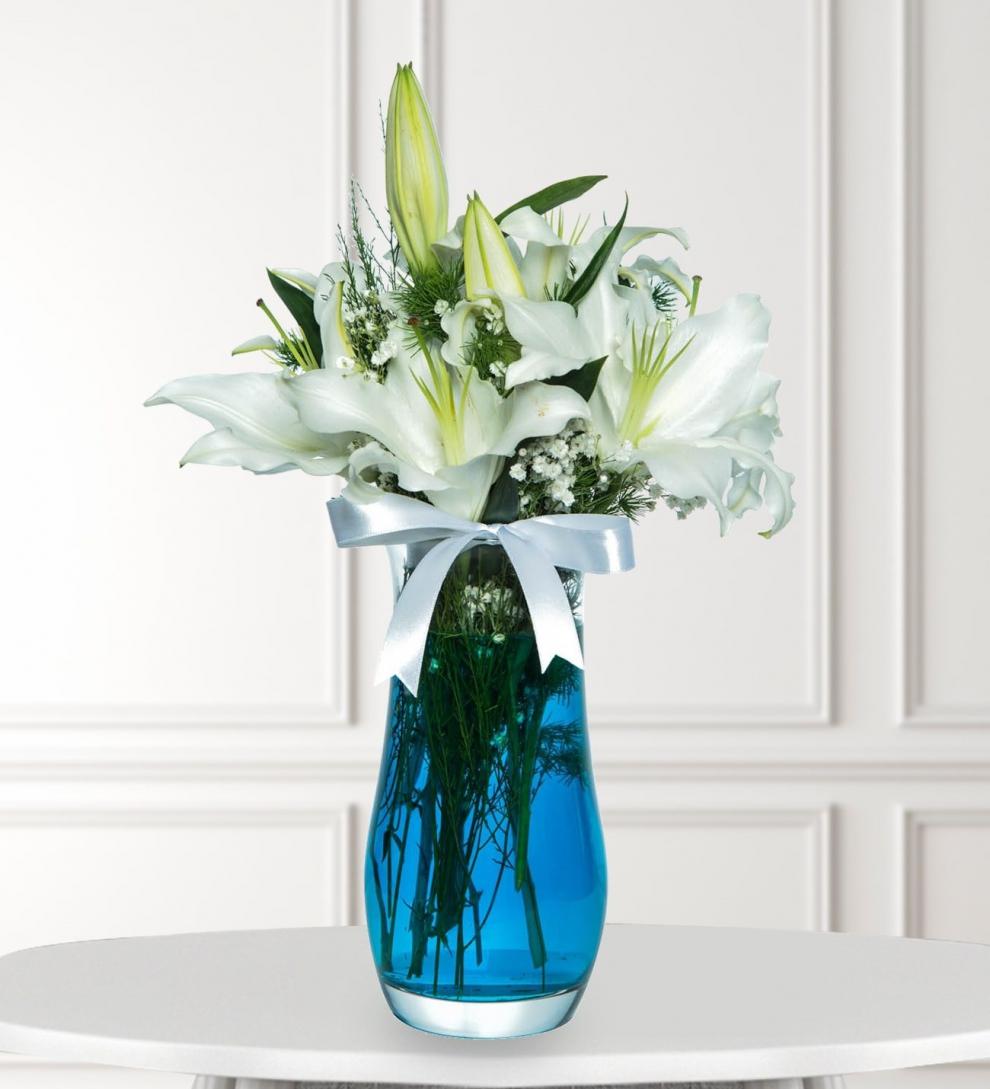 Vazoda Beyaz Lilyumlar