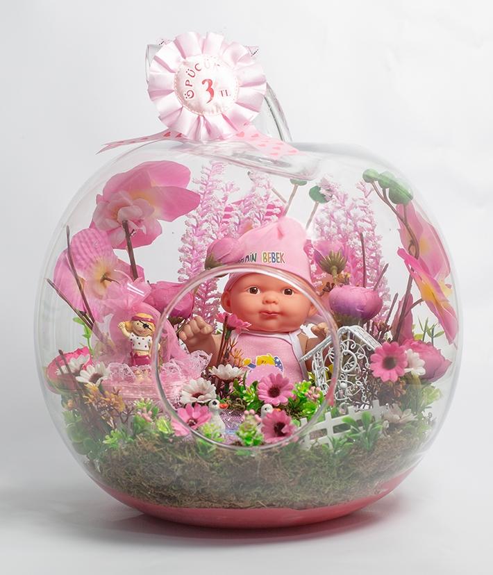 Kız bebek teraryum