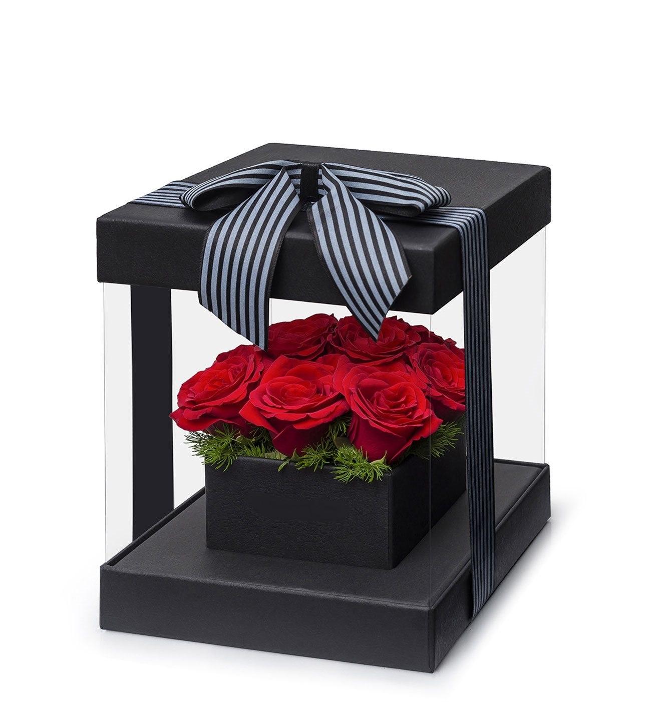 Özel tasarım kutuda 9 Kırmızı Gül